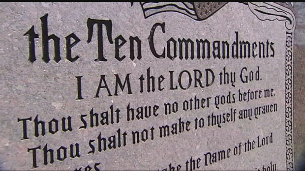 img-ACLU-files-suit-over-Ten-Commandments-in-state-Capitol-6P-H
